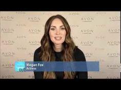 En reconocimiento del Día internacional de la Mujer, Megan Fox apoya la iniciativa de la Fundación de Avon Contra la Violencia Doméstica. Descubre la nueva pulsera de empoderamiento Avon, lúcelo y compártelo - juntos, podemos poner fin a la violencia contra las mujeres.