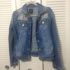 F21 Denim Jacket w/ silver metal studs F21 Denim Jacket w/ silver metal studs. Used once. Great condition! Forever 21 Jackets & Coats