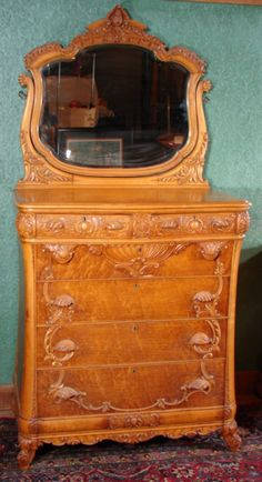 c1900 Rococo chest, RJ Horner, mple, 80t, 7-2,5.
