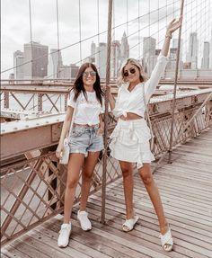 New York It-Girls Latest Fashion Vibes Latest Fashion For Girls, Latest Fashion Trends, Trendy Fashion, Womens Fashion, Cute Girl Outfits, Cute Summer Outfits, Fashion Advice, Fashion Bloggers, Athleisure Wear