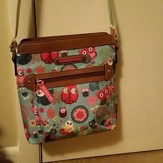 Purse cross body style Lily bloom owl and flower print spring colors LILLY BLOOM Bags Crossbody Bags