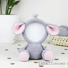 This is a crochet pattern (PDF file) NOT a finished Photo Frame you see on the photos! This pattern is available in: English (US crochet terms) Russian SKILL LEVEL: EASY Photo Frame ELEPHANT – size 21 cm (8 in), if using sport weight yarn (Sport (12 wpi), 2 : Fine). Material: • yarn