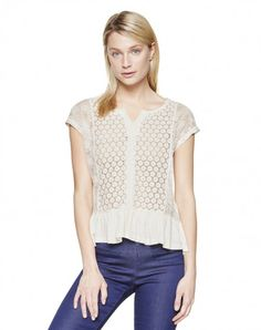 T-shirt with lace - T-SHIRTS AND TOPS - WOMAN