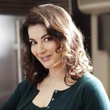 TV chef and food writer Nigella Lawson selects her top six recipe books to be released in Chef Nigella Lawson, Best Selling Cookbooks, Tv Chefs, Those Recipe, Domestic Goddess, Lemon Chicken, Classic Beauty, Food Network Recipes, Chocolate Chip Cookies