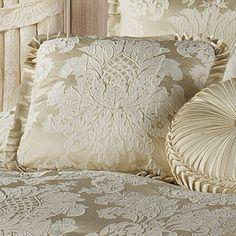 Classique Damask Comforter Bedding