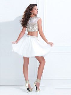 A-Line/Princess Scoop Sleeveless Beading Short/Mini Organza Dresses