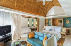 One-Bedroom Pool Villa The combination of modern touches of luxury and local architectural design offer an unparalleled ambiance at our Phuket resort. The One-Bedroom Pool Villa features a pillowtop mattress for the ultimate comfort experience.