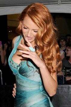 Blake Lively. I love everything here... the ginger mermaid waves, the nails, the dress, the makeup, the ring.. yum.