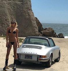 Beach Girl with Porsche 911 S Targa Porsche 911 Targa, Porsche Autos, Porsche Cars, Porsche Classic, Classic Cars, Ferdinand Porsche, Volkswagen, Sexy Cars, Hot Cars