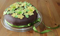 Silmukoita ja suklaakakkua: Äitienpäiväkakku Cakes, Desserts, Food, Tailgate Desserts, Deserts, Cake Makers, Kuchen, Essen, Cake