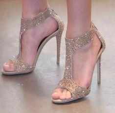 Stiletto #fashion #stiletto #shoes #sandals #vanessacrestto #style