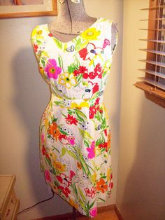 Vintage 60s 70s Bright Flower Print by atomicbettiescloset on Etsy