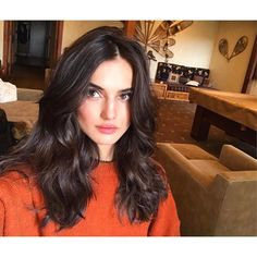 Blanca Padilla - Hair back to life 😇Yooying Dark Chocolate Hair Color, Inspo Cheveux, Black Curly Hair, Short Wigs, Wig Hairstyles, Hair Lengths, Her Hair, Hair Inspiration, Curly Hair Styles