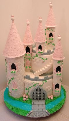 cake made to welcome our summer visitor.Castle cake made to welcome our summer visitor. Bolo Rapunzel, Rapunzel Birthday Cake, Castle Birthday Cakes, 4th Birthday Cakes, Princess Birthday, Princess Castle Cakes, Disney Castle Cake, Castle Wedding Cake, Kids Castle