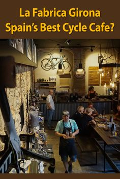 Is this Spain's best cycle cafe? Stylish La Fabrica, brainchild of pro cyclist Christian & coffee guru Amber Meier is changing the face of coffee in GIrona. Bicycle Cafe, Bicycle Store, Bicycle Decor, Velo Shop, Best Cycle, Cool Bike Accessories, Cool Cafe, Coffee And Books, Cafe Design