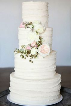 18 beautiful buttercream wedding cakes 13