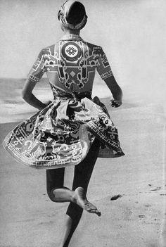 Vogue 1971 Katalin Kallay by Penati, Leonard Paris dress