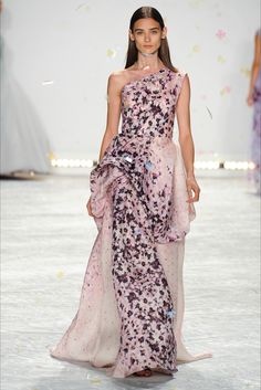Sfilata Monique Lhuillier New York -  Collezioni Primavera Estate 2015 - Vogue