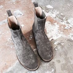 The wolf grey Chelsea boots coming from Represent clothing are fire!