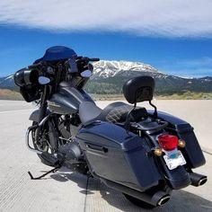 "Credit to @mod_glide07 ===================== Follow & Tag ""HD Tourers and Baggers"" on Instagram Facebook Twitter & across the Web. ===================== #hdtourersandbaggers ===================== #instamotogallery #instamoto #motorcycles #harleydavidson #roadkingclassic #roadking #roadglide #streetglide #softail #showoffmyharley #harleysofinstagram #harleylife #bikelife #bikersofinstagra #bikestagram #motorcyclelife #harleyriders #customharley #throttlezone #harleydavidsonnation…"