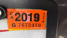 32 Life Hacks You Literally Never Thought Of - protect your registration sticker from thieves by scoring it with a razor blade. Breaking Benjamin, Papa Roach, Garth Brooks, 25 Life Hacks, Whole Life Insurance, Command Hooks, Sponge Holder, Car Hacks, Camping Hacks