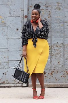 Buying plus size clothes are not easy. The biggest problem with buying clothes for women with the plus-size is either n… Curvy Fashion, Look Fashion, Spring Fashion, Plus Fashion, Womens Fashion, Fashion Tips, Fashion Rocks, Curvy Women Outfits, Plus Size Outfits
