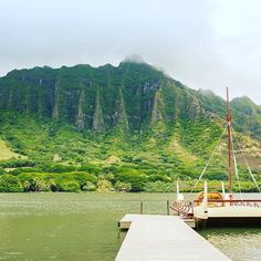 Would you like to have this as the backdrop to YOUR wedding photos? Well now you can! Check out our new Oahu Wedding Venue Packages! Hawaii Wedding Locations Oahu, Hawaii Wedding Locations Beautiful, Hawaii Wedding Locations Beach, Hawaii Wedding Locations Islands, Hawaii Wedding Locations Budget, Hawaii Wedding Locations Receptions, Hawaii Wedding Locations Brides, Hawaii Wedding Locations Style, Hawaii Wedding Locations Galleries #Regram via @simpleoahuwed