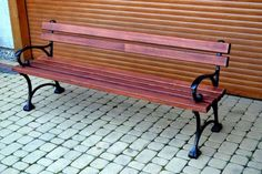 """Parková lavička """"PAULA"""" Nohy: liatina Rozmery [cm]: výška 70, dĺžka 150 alebo…"""