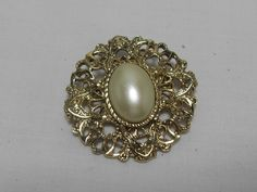 Round Pearl  brooch, vintage gold tone, faux pearl center, Classic pearl scarf pin, Gift for her, retro scarf pin, Gingerslittlegems by GingersLittleGems on Etsy