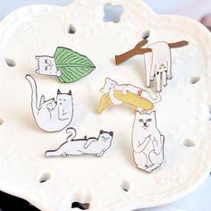 Home & Garden 1pc Cartoon White Cat Fishbone Metal Badge Brooch Button Pins Denim Jacket Pin Jewelry Decoration Badge For Clothes Lapel Pins Promoting Health And Curing Diseases Arts,crafts & Sewing