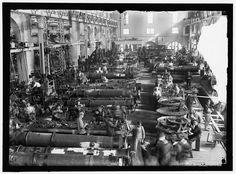 U.S. Navy Torpedo Shop. Washington. Harris & Ewing photographer 1917.[1024 x 755]