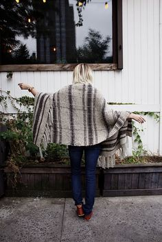 Campfire Blanket Scarf by Two of Wands // Free Knitting Pattern // Oversized Plaid Blanket Scarf Wrap Fringe // Lion Brand Fishermen's Wool Yarn Hand Knit Blanket, Blanket Shawl, Chunky Blanket, Plaid Blanket Scarf, Knitted Afghans, Knitted Blankets, Cape Scarf, Knit Wrap, Scarf Wrap