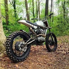 Custom dirt bike based on a vintage Ducati single by Brian Fuller Street Tracker, Dragster, Moto Cafe, Scrambler Motorcycle, Street Scrambler, Cool Motorcycles, Dirtbikes, Custom Bikes, Cool Bikes