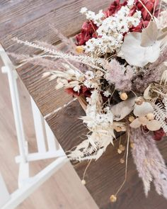 7 Astonishing Wedding Images White And Red Table Flower Centerpiece bouquet Flower Images, Flower Pictures, Ikebana, Flower Centerpieces, Flower Arrangements, Dried Flowers, White Flowers, Pink Roses, Purple Lily