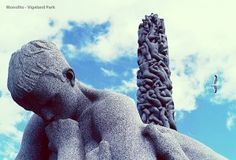 """OSLO - VIGELAND PARK -  Il Monolito - """"È incredibile. È bellissimo. È enorme""""."""