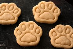 Because watching them watching us cook is so cute, we decided to make our dogs a little treat for a change!
