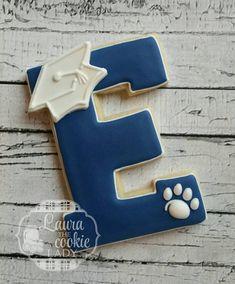 Letter A graduation cookies! Graduation Desserts, Graduation Theme, Graduation Cookies, Graduation Decorations, College Graduation, Galletas Cookies, Cute Cookies, Sugar Cookies, Mini Tortillas