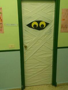 Puerta halloween del aula abierta 2