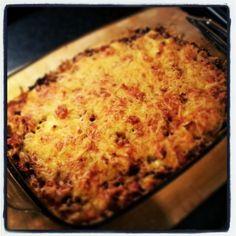 Pastitio is een heerlijke Griekse ovenschotel met gehakt, paprika, tomaat en veel andere lekkere smaken. Probeer hem zeker een keer uit!