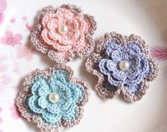 6 Crochet  Flowers In 1-1/4 inches YH-053-01 by YHcrochet on Etsy