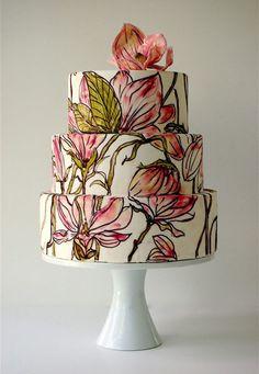 Bolos de casamento pintados a mão O bolo de casamento é tão importante quanto o vestido da noiva, a escolha dele não é nada fácil, ele precisa ser bonito, afinal ele é o elemento em destaque na parte doce do casamento, além disso, ele precisa ser...