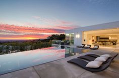 Enjoy day after day of pure relaxation and gorgeous sunsets at this Beverly Hills home pool!