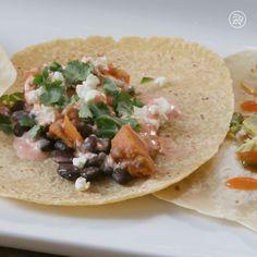 3 delicious ways to prepare tacos! Gourmet Recipes, Mexican Food Recipes, Dinner Recipes, Cooking Recipes, Healthy Recipes, Ethnic Recipes, Organic Salmon, Food Vids, Good Food