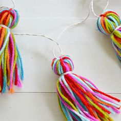 Make a quick and easy garland using variegated yarn.