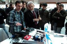"""""""ODTÜ Robotik Yarışmasında Birinci"""" TOBB ETÜ Bilgisayar Mühendisliği Bölümü Doktora Öğrencisi Ömer Çayırpunar liderliğinde; Veli Burak Çelen, Burak Yıldızisi Coşar Dindar, Umur Özhan Şengül 'den oluşan grup 12-13 Mart 2011 günleri arasında düzenlenen 8. ODTÜ Robot Günleri'nde '""""ETÜİHA"""" adlı İnsansız Hava Aracı projesi ile serbest kategoride ve """"Üç Silahşörler"""" adlı Çoklu Mini Sumo takımı robotlarıyla da çoklu mini sumo kategorisinde birincilik ödülü almaya hak kazandılar."""