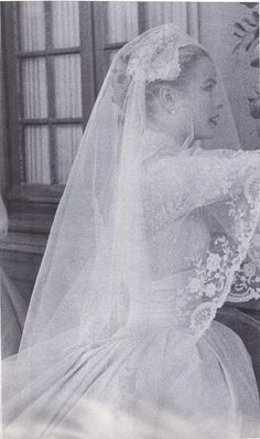 Ideas For Wedding Dresses Vintage Grace Kelly Monaco Grace Kelly Wedding, Grace Kelly Style, Princess Grace Kelly, Princess Kate, Royal Wedding Gowns, Wedding Dress Trends, Royal Weddings, Wedding Dresses, Patricia Kelly