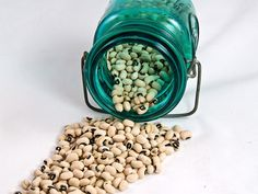 Navy beans and black-eyed peas are high in resistant starch.