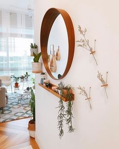 Small Entryway ideas for your apartment. It& always a good idea to have a m. - Small Entryway ideas for your apartment. It& always a good idea to have a mirror at the foyer - Entryway Mirror, Entryway Wall Decor, Apartment Entryway, Hallway Decorating, Entryway Ideas, Room Decor, Wall Mirror, Small Wall Decor, Ikea Mirror