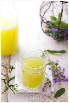 Tisane crue à la sauge et au romarin Sports Nutrition, Diet And Nutrition, Raw Food Recipes, Healthy Recipes, Healthy Detox, Great Shots, Food For Thought, Glass Of Milk, Feel Good