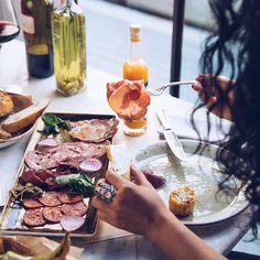 Sausage platter #meat #meatbybeat #meatrestaurant #steakhouse #steaks #azerbaijan #baku #restaurants #food #cuisine #beef #veal #sausages #sausageplatter